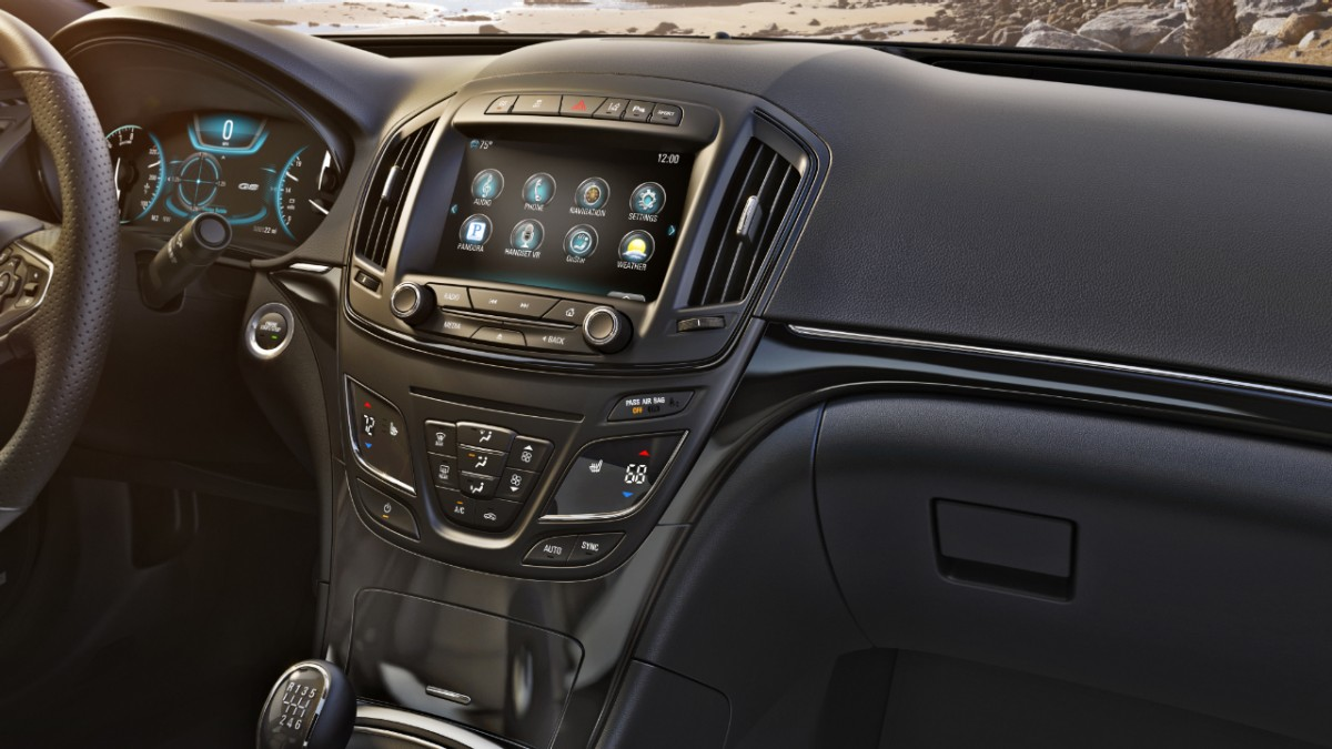 2014-Buick-RegalGS-001