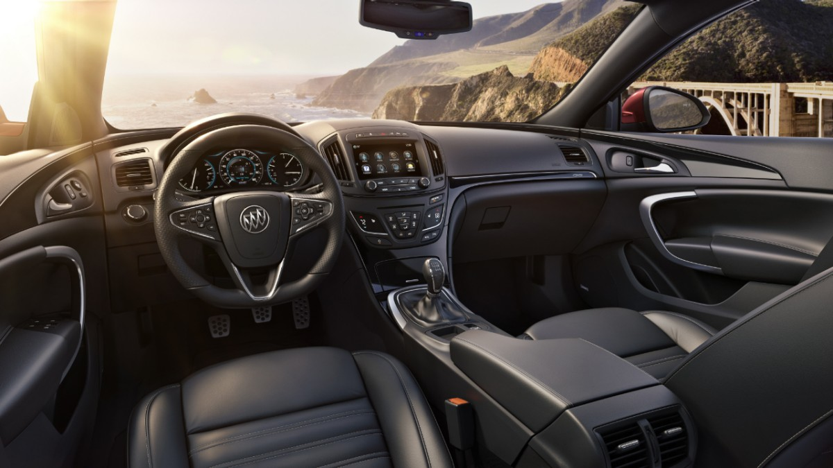 2014-Buick-RegalGS-002