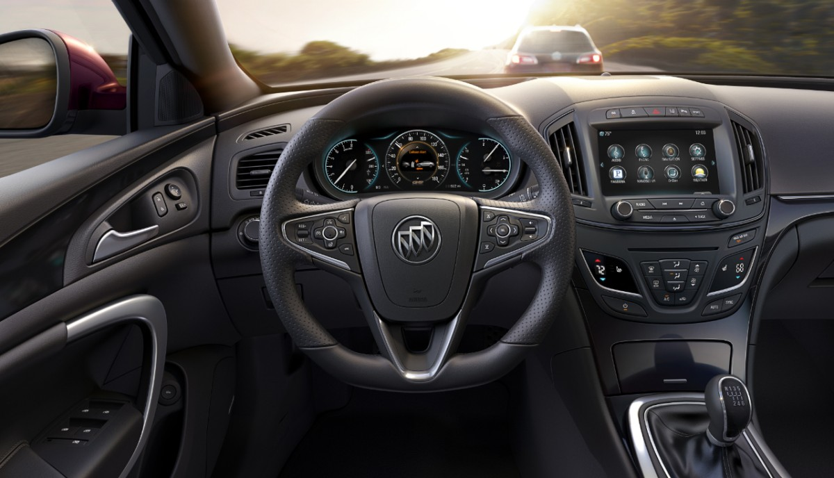 2014-Buick-RegalGS-004
