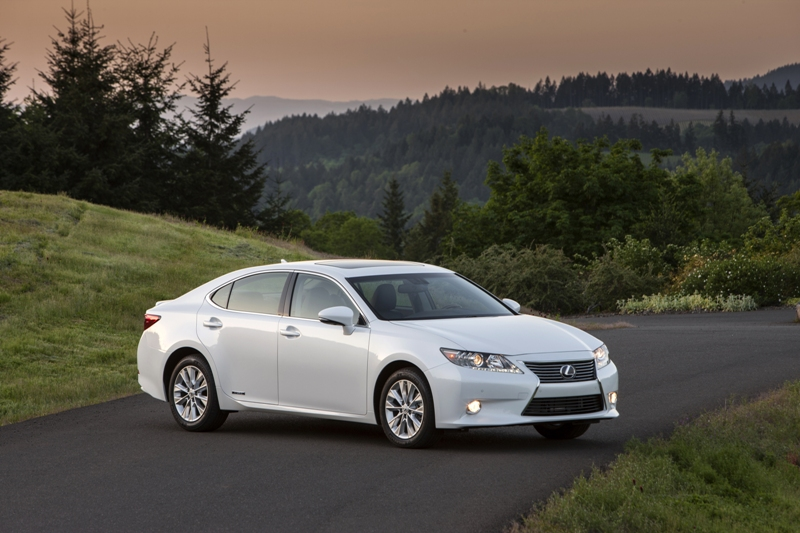 The 2014 Lexus ES 300h. (Lexus)