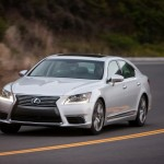 2013_Lexus_LS_460_017