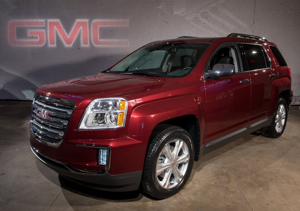 The 2016 GMC Terrain Denali (GM)