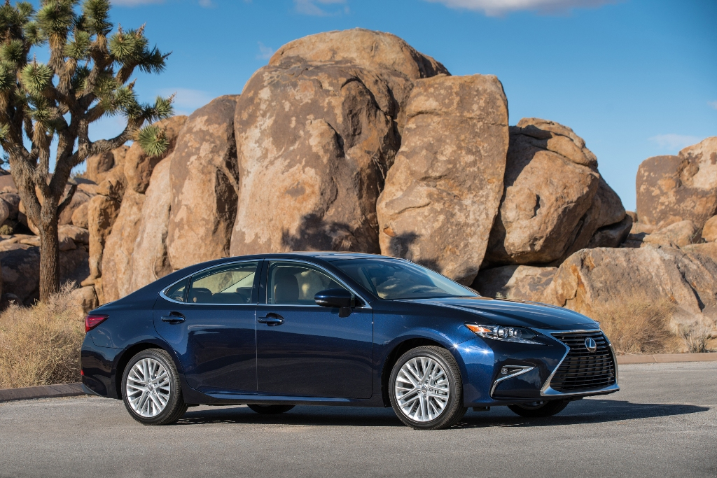 The 2016 Lexus ES350 (Lexus)
