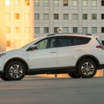 2016_Toyota_RAV4_Hybrid_XLE_04_DCAB6D3302B2FFA6BB4B3A6EE346B23075EF5AD7