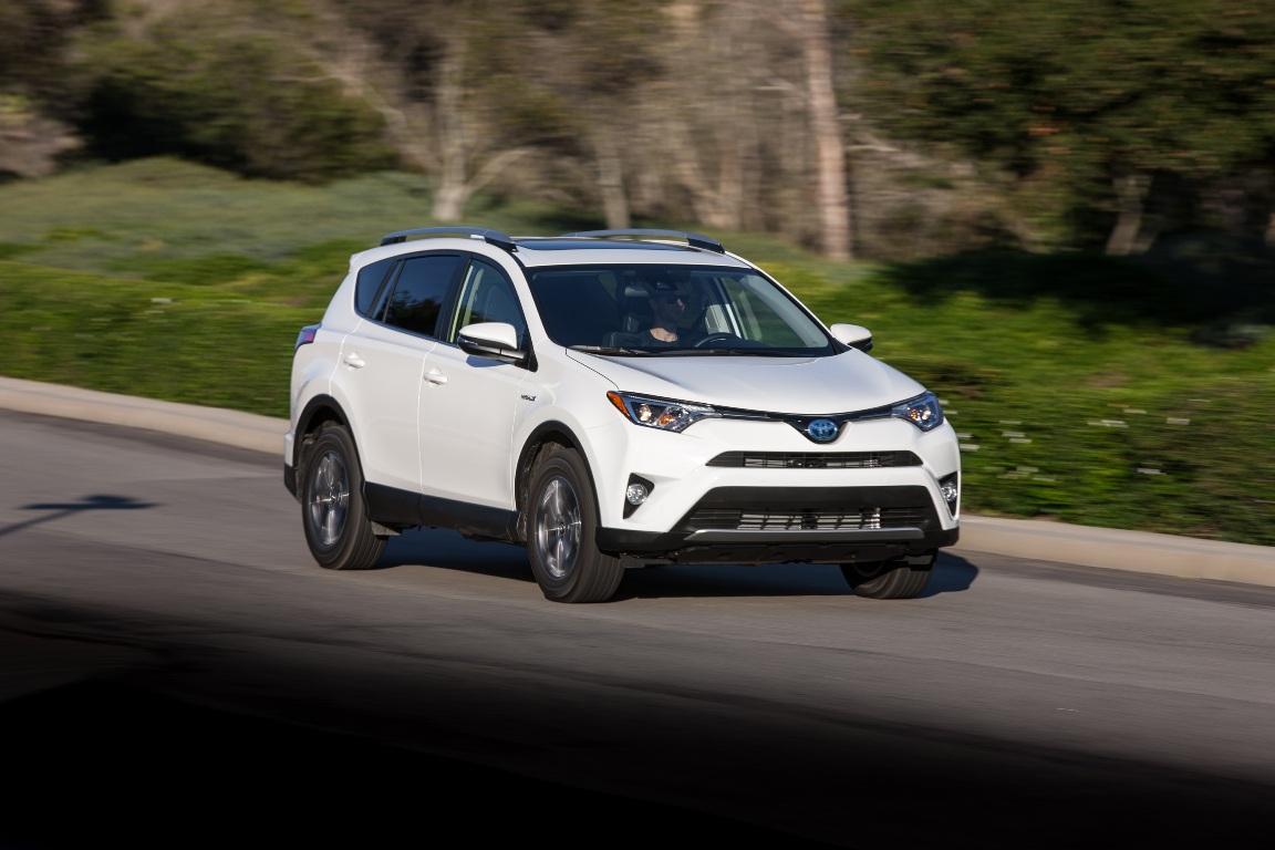 2016_Toyota_RAV4_Hybrid_XLE_09_BA269095D1907635D6A14CF196C84265F339DB7B