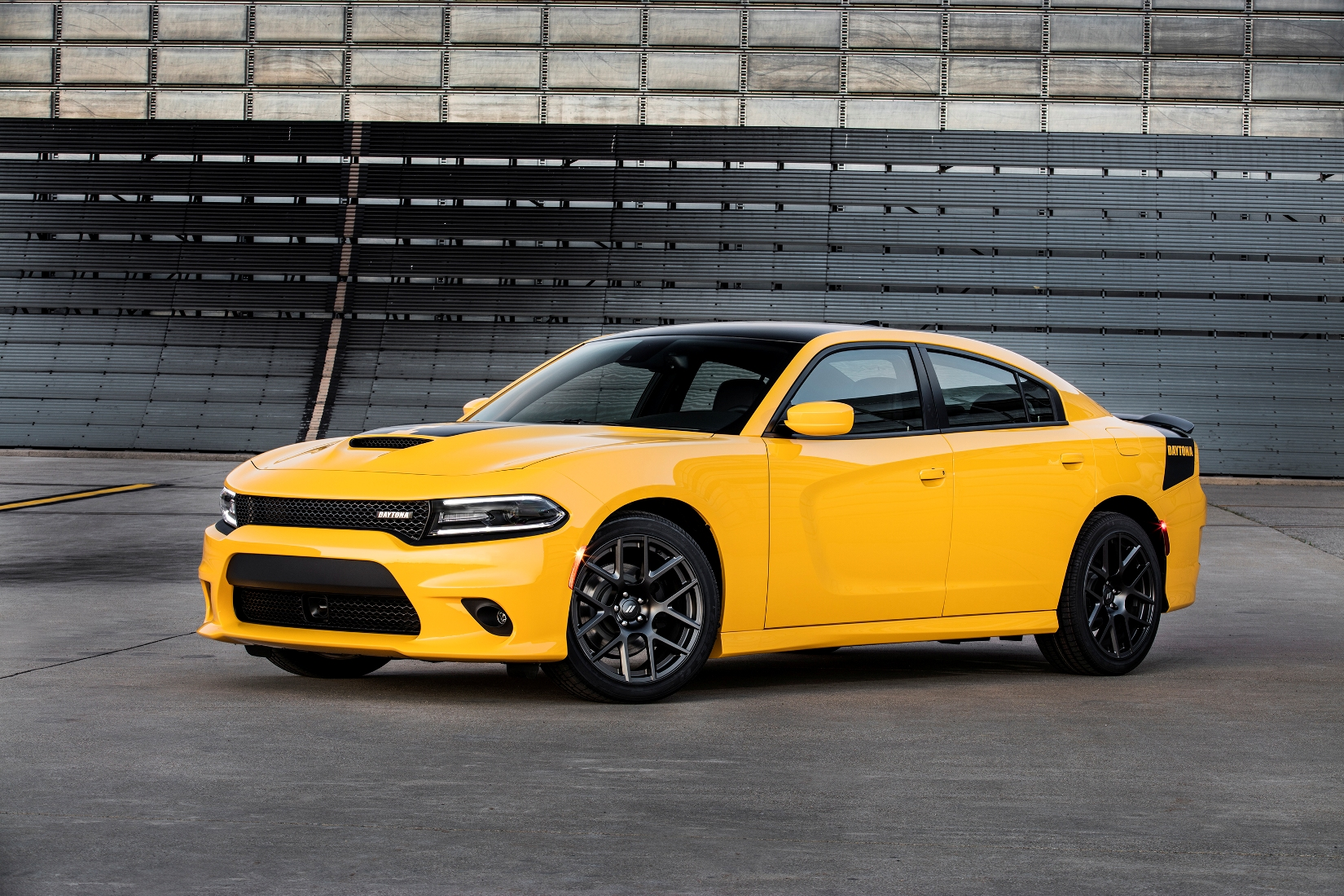 Dodge dodge charger with wing : Driving a 2017 Dodge Charger Daytona to Daytona? Surprising. Not ...
