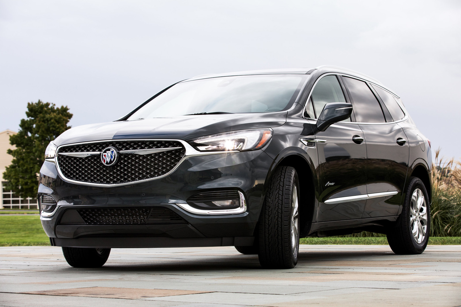 drive expert buick premium review enclave awd test of minivan