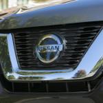 (Nissan)