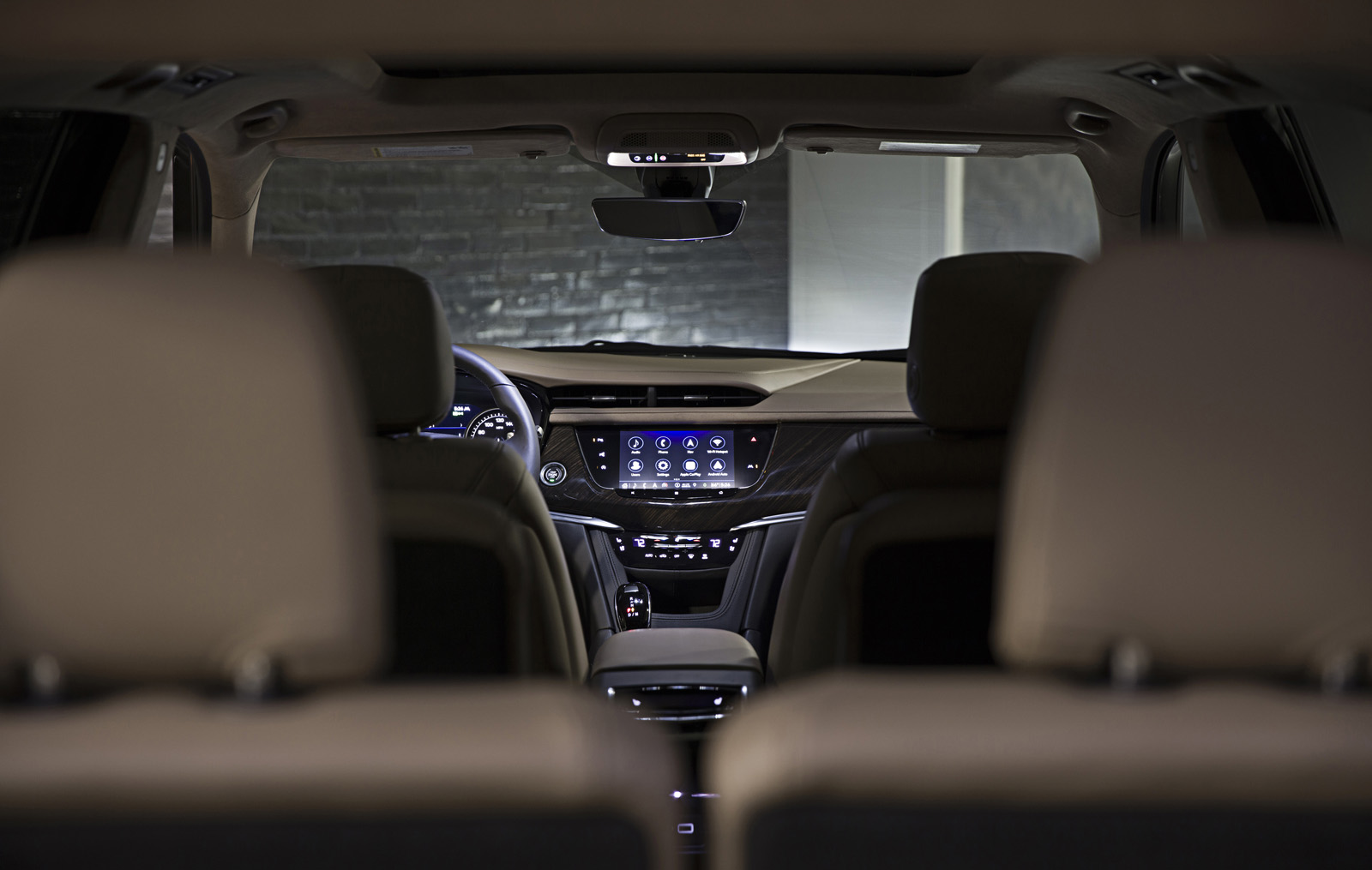 Cadillac XT6's HD 8-inch-diagonal screen is now even easier to
