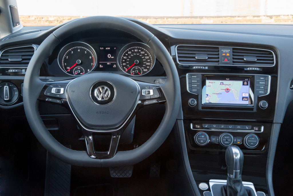 2015_Golf_TSI-Large-2966