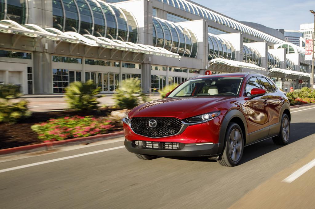 2020_Mazda_CX-30_Car-to-car_1