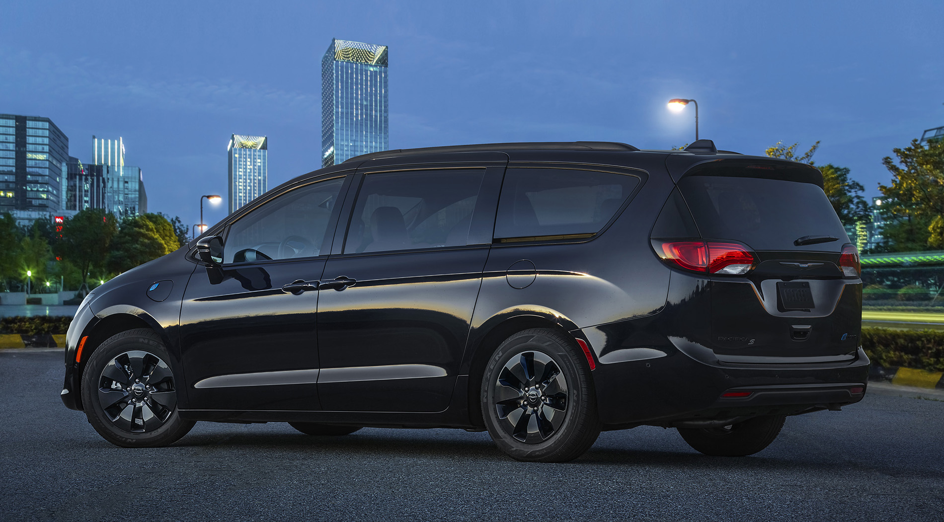 2020 Chrysler Pacifica Hybrid with S Appearance Package