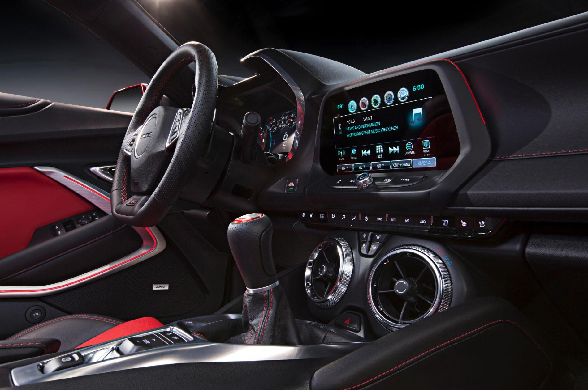 2016-Chevrolet-Camaro-020