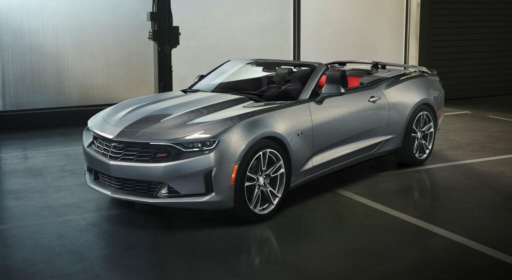 2019-Chevrolet-CamaroRS-010