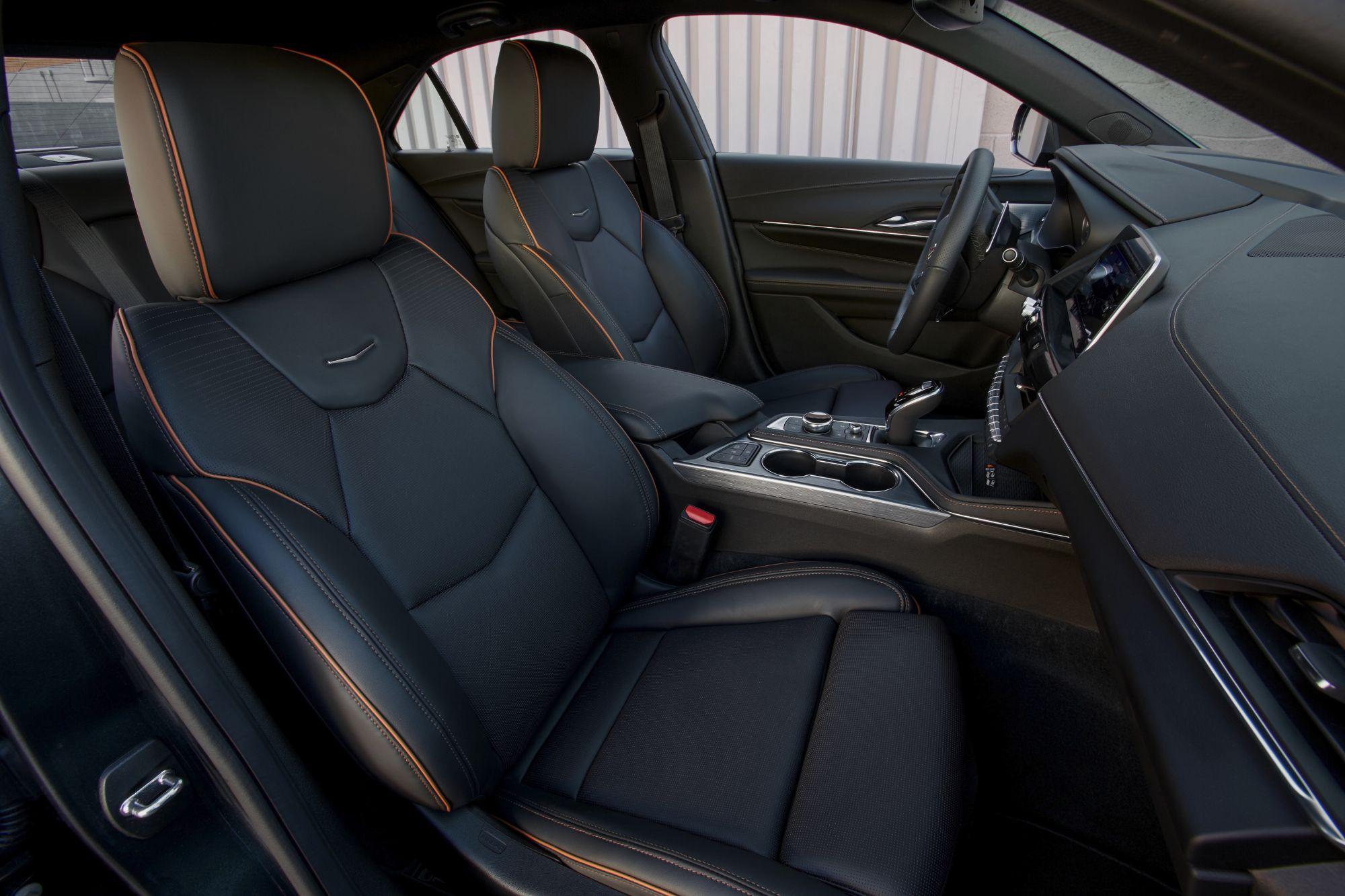 2020-Cadillac-CT4-V-077