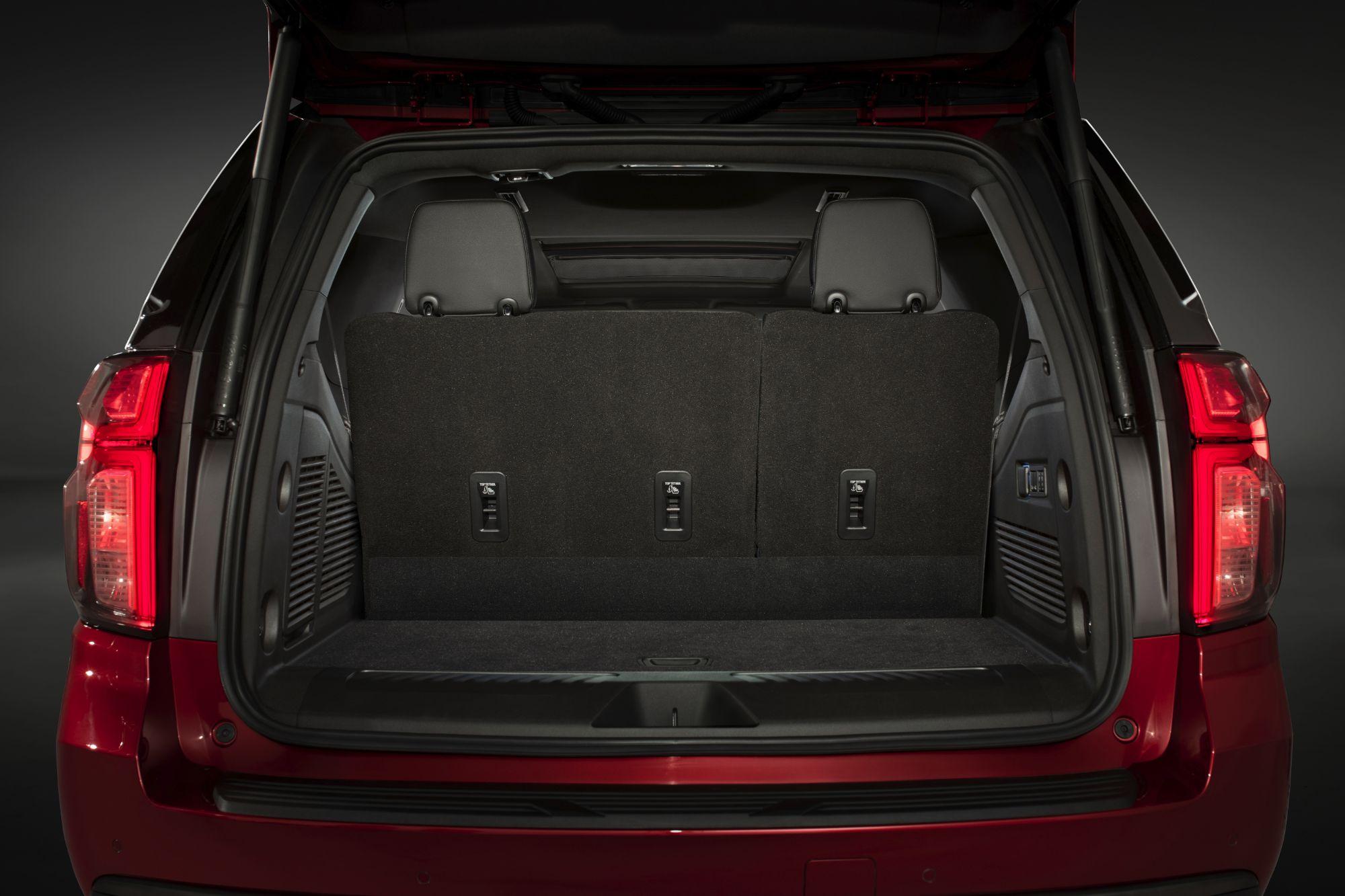 2021-Chevrolet-Tahoe-019