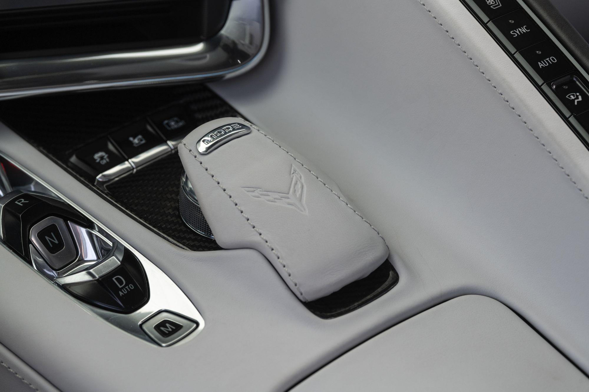 2020-Chevrolet-Corvette-Stingray-221