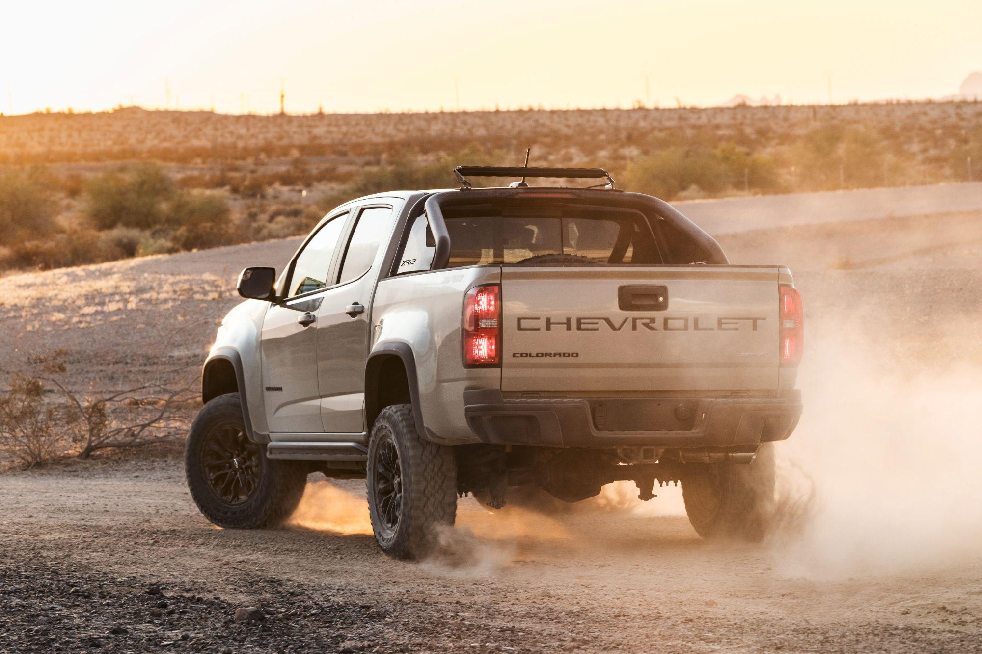 2021-Chevrolet-Colorado-ZR2-002