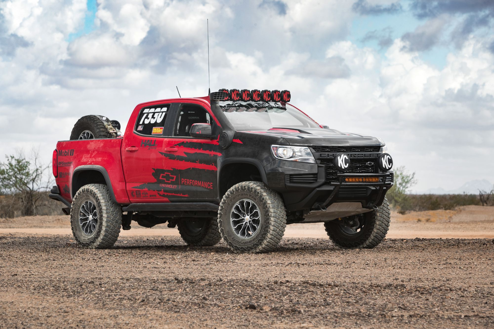 2021-Chevrolet-Colorado-ZR2-007