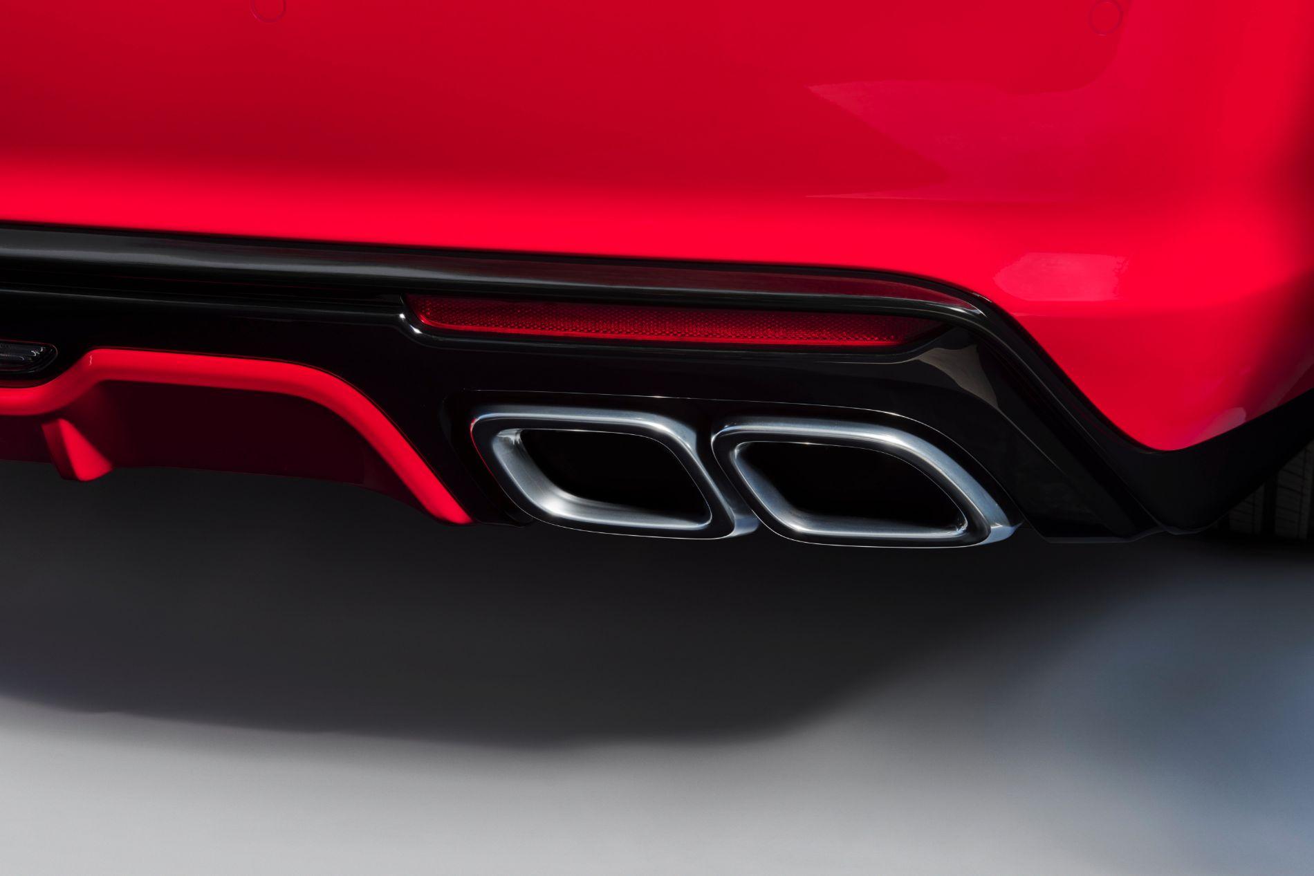 2021-Cadillac-CT5-V-003