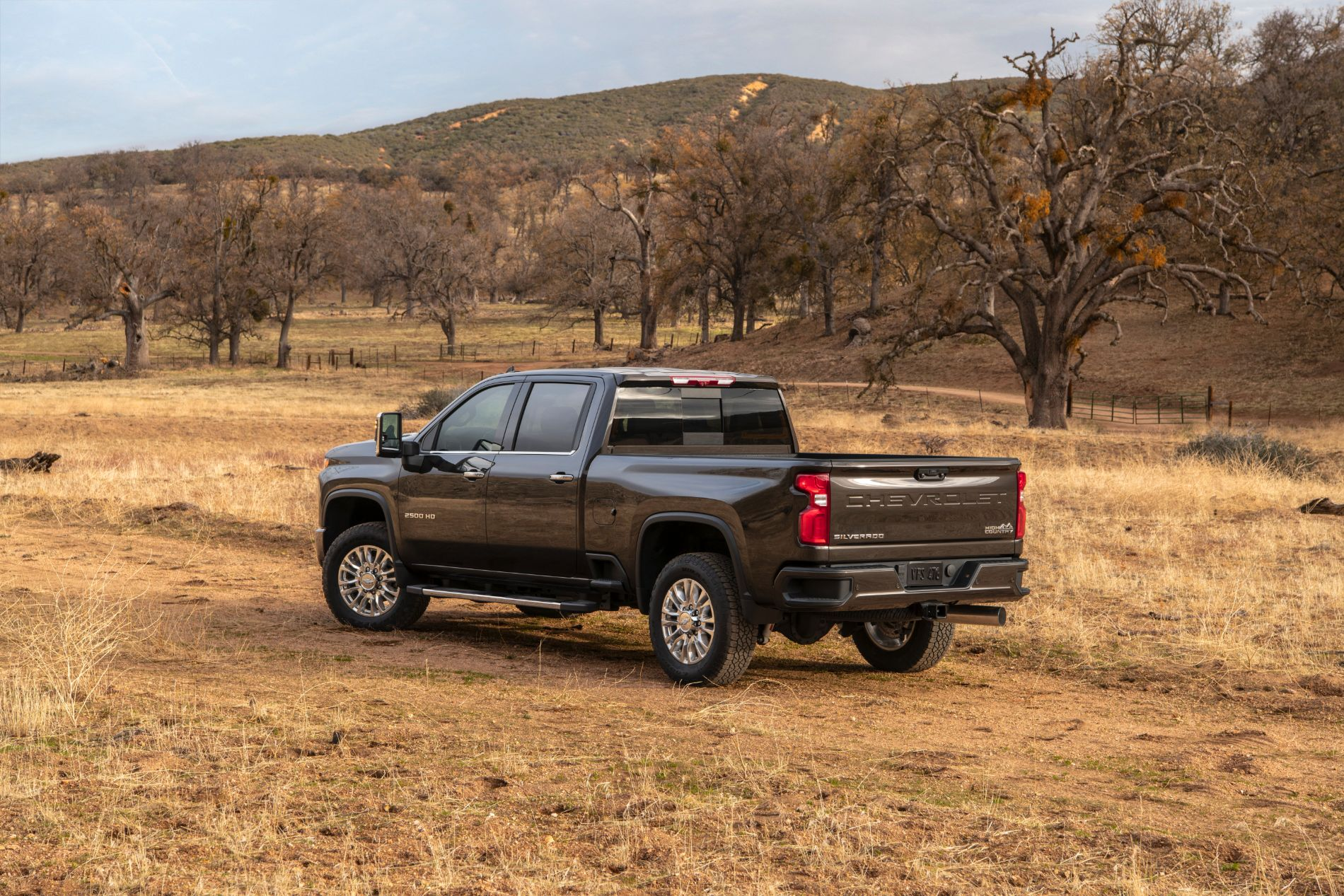 2021-Chevrolet-Silverado-2500HD-HighCountry-022