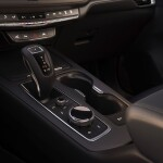 2020-Cadillac-XT4-011