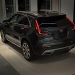 2020-Cadillac-XT4-032